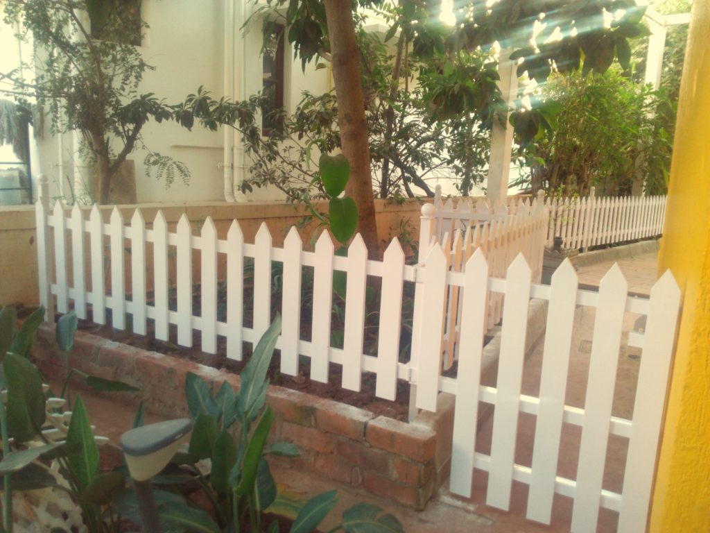 White Picket Fence Done For A Villa At Lake Shore Homes